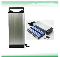 Un envío gratuito de grado 48 v 20ah batería Batería de iones de litio de 48 voltios para bicicleta eléctrica batería 48 v con cargador 54.6A 2A