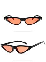2018 Cat Eye óculos de sol Mulheres Marca Designer Sexy Preto Vintage Triângulo Vermelho Quadro dobradiça 90S Cateye Sun Glasses Shades Plastic 5168