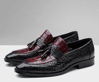 Inteligente Sapatos Casuais Homens Deslizamento Em Couro Genuíno Jacaré Padrão Mic Cor Borlas Sapatos de Vestido Mocassins Verão Sapatos de Festa