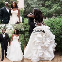Land-Garten-Hochzeits-Kleider 2018 Schatz-Rüschen-Entwurfs-Wellen-ausführliche Spitze-oben zurück bodenlange afrikanische Nigeria-Brautkleider