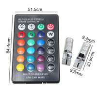T10 W5W LED أضواء السيارة LED المصابيح RGB مع جهاز التحكم عن بعد 194 168 501 ستروب الصمام مصباح أضواء القراءة الأبيض الأحمر العنبر 12 فولت