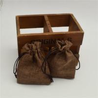 30 adet Düğün Favor Çanta Kahverengi renk Faux Keten Çanta Jüt İpli hediye Torbalar ile (4 '' X 6 '')