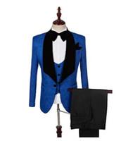 2018 traje de traje de negocios de ropa masculina personalizada Slim fit diseño informal Champagne Prom trajes de esmoquin novio para hombres (chaqueta + pantalón + pajarita + chaleco)