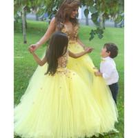 Amarelo Tule Princesa Flor Menina Vestidos Até O Chão Matched Sash Applique Sheer Meninas Pageant Vestidos de Aniversário Vestido Primeira Comunhão Vestido F75