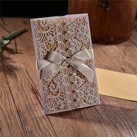 50 unids White Hollow flower Rustic Invitaciones de Boda de Compromiso de Boda Invitación de Negocios gracias Tarjeta Con Cinta Envolvente sellos