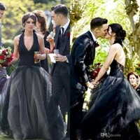 Chic Black Gothic Wedding Dresses Halter Deep V Neck Tulle L...
