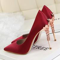 عالية الكعب أحذية الزفاف مضخات النساء أحذية امرأة عالية الكعب ماركة الأحذية النساء المصممين العلامة التجارية الكعب المعادن الديكور مثير عالية الكعب ayakkab