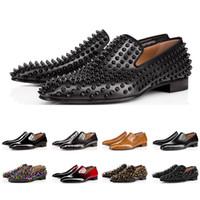 2019 호화로운 디자이너 mens 단화 loafers 빨간 스파이크 상사에 대한 특허 가죽 슬립 웨딩 플랫 바지 신발 비즈니스 파티 크기 39-47