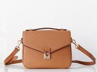2019 O envio gratuito de alta qualidade mulheres do Messenger couro bolsa de sacos de ombro bolsa das mulheres bolsas crossbody M40780