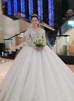 Vestido de bolas con cuentas de cristal de lujo Vestidos de novia Mangas largas Vintage Encaje Aplicada Saudí Árabe Dubai Nupcial Wed Bata Tallas grandes