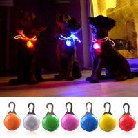LED مصباح يدوي القط الكلب طوق متوهجة قلادة ليلة سلامة الحيوانات الأليفة العروض قلادة مضيئة مشرقة الديكور الياقات للكلاب