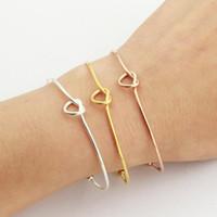 Bracelet à la mode Personnage individuel contracté est Classic Wire Coeur Bracelet Winding Bracelet en acier inoxydable