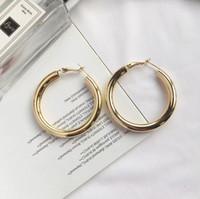 Silber Ohrringe Frauen Pailletten mit großen Kreis Ohrringe für Persönlichkeit Atmospheric Einfachheit übertrieben kleinen Kreis Ohrringe