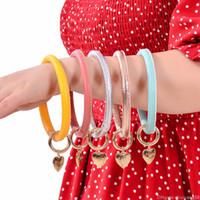 Pu кожаный сердца браслет браслет брелок брелок Charm Pure Color Wristbands Спорт браслет Ключевые кольца ювелирные изделия Аксессуары Подарочные