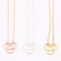 2018 Hollow out Trillium pendant necklace cross three arc- sh...