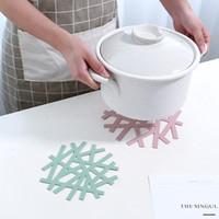 الإبداعية pvc ندفة الثلج الشكل مقاوم للحرارة تحديد الموقع المنزل جوفاء خزفي الجدول ماتس الوسادة مكافحة الساخن حصيرة اكسسوارات المطبخ