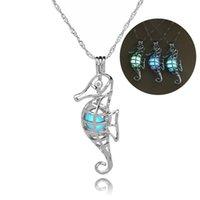 Seahorse collana pendente di disegno luminoso Animal collana Gabbia con catena della clavicola gioielli creativi Sea Horse ciondola collane del Choker regalo