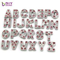 10pcs strass rouge alphabet lettre alphabet charme flottant charme initial médaillon breloques pendentifs pour médaillon flottant bricolage charme LSFC114
