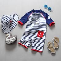 키즈 줄무늬 수영 키즈 편지 화살표 포켓 수영복 아동 라운드 칼라 짧은 소매 비치웨어 러쉬 가드 셔츠 F6484