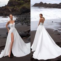 Bohemian High Spalato A Line Abito da sposa 2020 Bordare Beach Spiaggia Abiti da sposa in raso Sweetheart Neck Senza maniche Vestido De Noiva