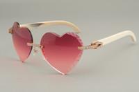Venta directa de gafas de sol talladas en forma de corazón de alta calidad, Diamante Natural Blanco Cuerno / Gafas de sol de cuerno negro 8300686-A Tamaño: 58-18-140mm