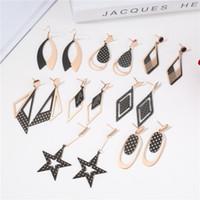 Il nuovo modo d'acciaio di titanio geometrica delle donne degli orecchini creativo esagerato Contrasto colori Lattice Rose Jinsen Piccolo commercio all'ingrosso dei monili