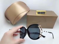 امرأة الفاخرة العلامة التجارية مصمم النظارات أزياء المرأة النظارات الشمسية UV400 حماية الرياضة خمر الشمس نظارات ريترو نظارات مع الحالات مربع مجانا