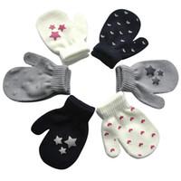 inverno calor envoltório luvas de dedos do bebê impressa estrela amor luvas pequenas bonitos novos do jardim de infância das crianças