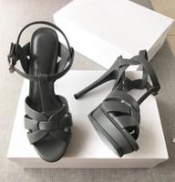 Горячая продажа человек Дань сандалии T-ремень Super High Platfom сандалии Конструктор Слайды Женщина сандалии партии Классические ботинки