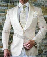 Krem Beyaz Erkekler Düğün Aşınma Smokin Takım Elbise Balo Yemeği Parti Sağdıç Blazers Baskılı Çiçek Yaka Tek Parça Ceket Custom Made