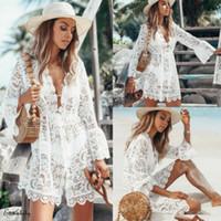 2020 neue Sommer-Frauen-Bikini-Vertuschung Blumen-Spitze-Höhle Crochet Badeanzug Vertuschungen Badeanzug Bademode Tunika Strand-Kleid Hot JH01