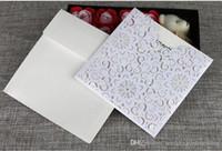 Customized для печати Hollow цветов Свадьба Приглашение карточки Лазерная резка День рождения Бизнес партии Приглашения свадебные приглашения
