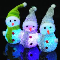 1pc Nuevas decoraciones navideñas Muñeco de nieve Luces nocturnas Linterna de ojos colorida Muñeco de nieve LED Cambio de luz Color Nightlights
