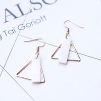Hot Europa Fashion Jewelry Orecchini da donna Triangle White Shell Ciondola gli orecchini S118