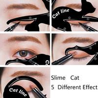 2 in 1 Kedi Eyeliner Stencil İşlevli Göz Stencil Kedi Eyeliner Stencil Göz Kalemi Şablon Kartı Balık Kuyruğu Için Çift Kanat Eyeliner 20 takım