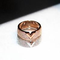 2019 новый золотой цвет V письмо кольца для женщин высокое качество великолепный кубический цирконий кольцо свадьба кольцо бижутерии женщин