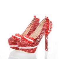 2019 El más nuevo diseño Zapatos de novia de diamantes de imitación rojos Zapatos de vestir de boda personalizados Bombas de plataforma Zapatos de tacón alto Forma de amor Tallas grandes 12