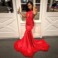 Çarpıcı Kızıl Backless Tüy Gelinlik 2019 Halter Dantel Aplikler Boncuk Pullu Afrika Balo Elbise Sweep Tren Akşam Parti Elbise