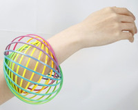 البلاستيك ماجيك التدفق الدائري الحركية الربيع لعبة Toroflux الاطفال Flowtoys Flowrings مضحك لعبة في الهواء الطلق الذكي لعبة الململة سبينر GT72