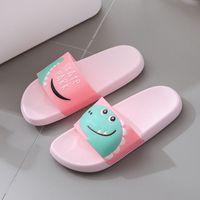بين الوالدين والطفل النعال الأطفال عالية الجودة تنفس الجديدة الوجه يتخبط الصيف الأحذية رجل إمرأة نمط الاطفال الكرتون شقة الصنادل