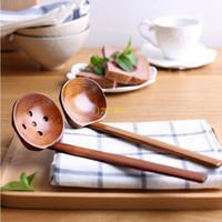 200 UNIDS Vajilla de madera Cuchara de sopa de tortuga Ramen japonés De madera Mango largo Colador Cuchara olla caliente práctico y duradero