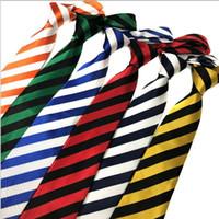 corbata lazos rayas Ascot corbatas de los hombres de la camisa de vestir de los hombres 8.5cm lazos ahogador de la corbata amarilla para hombres 2pcs / lot