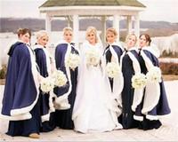 13 couleurs pas cher hiver hiver cloak faux fourrure wraps wraps vestes à capuche pour mariages d'hiver Capeaux de mariée Robes d'invité de mariage