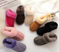 Sıcak Marka Unisex Kış Sıcak Pamuk Terlik Erkekler Ve Kadınlar Kürk Sandal Kısa Çizmeler Artı Boyutu Bayan Tasarımcı Kapalı Açık Kar Botları