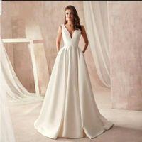 UK Bianco Avorio raso Tasche V senza maniche una linea di abiti da sposa collo per Older Women Size 6-18 gonna a pieghe Abiti da sposa