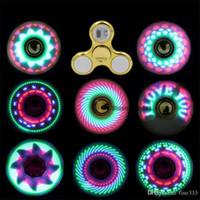 Fidget Spinner Toy Coolest levou Flash Light arco-íris Spinner crianças brinquedos mudança auto padrão de rápida rotação Brinquedos