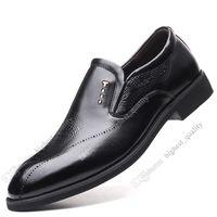 2020 nueva manera caliente 37-44 de los zapatos ocasionales de los hombres de los hombres zapatos de cuero de zapatos de goma británica New libera el envío Alpargatas Veinticinco
