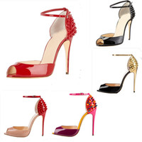 Hot Sale New Mulheres Moda Rebites Salto Alto Vestido Peep Toes Sapatos Super High Heel Sandals cravado Studded Red inferior Bombas Sapatos casuais