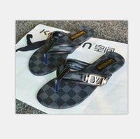 085 Mulheres Deslize Sandals Deslize Designer Shoes Luxo Summer Fashion Ampla Plano Slippery Com Thick Sandals Slipper Flip Flops tamanho 35-42