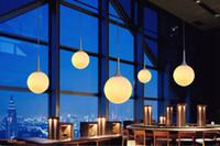 Loft basit süt beyaz cam top kolye ışık LED E27 modern asılı lamba oturma odası yatak odası lobi için 6 boyutu ile otel dükkanı